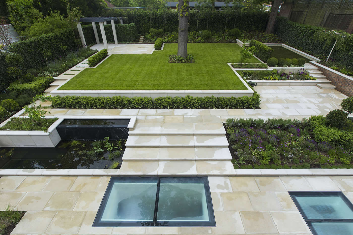 Contemporary Landscaped Large Garden With Stone Led