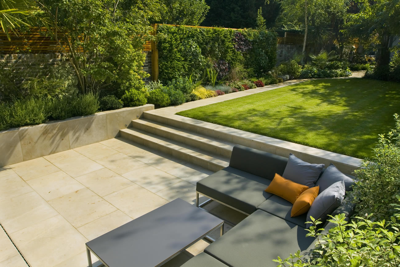 Contemporary family garden design in st johns wood for Garden design winter 2018