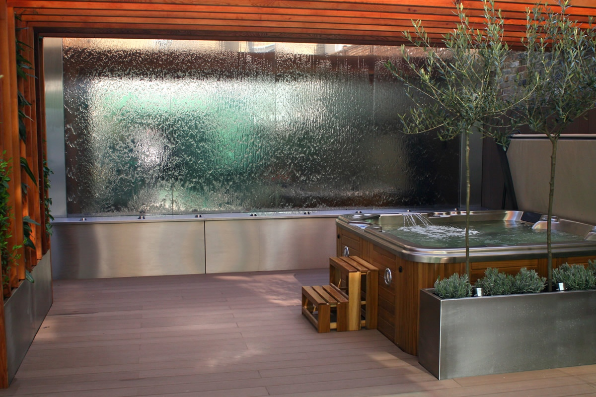 Outdoor Hot Tub And Waterwall Garden Designs Plan Build Live In Central  London Water Feature