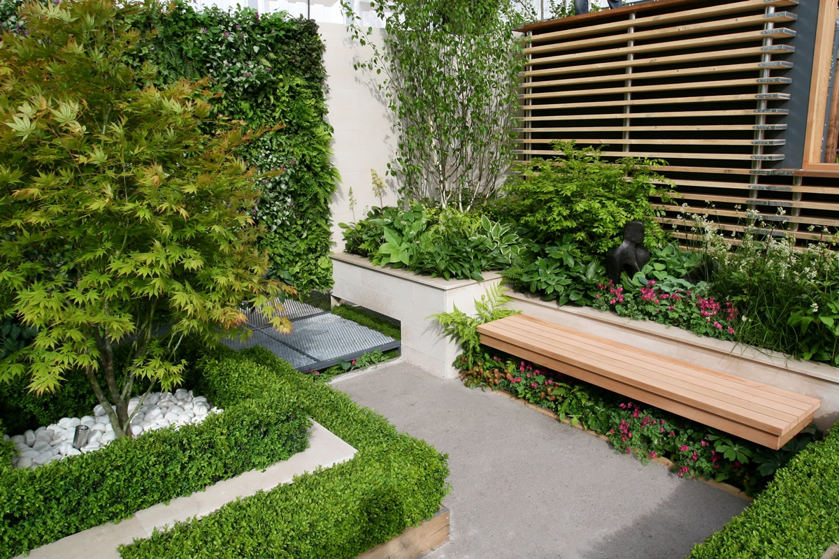 Award winning eco chic garden rhs gold medal 09 designed for Landscape design pictures