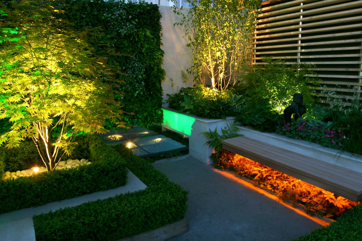 award winning eco chic garden rhs gold medal 09 designed by kate gould