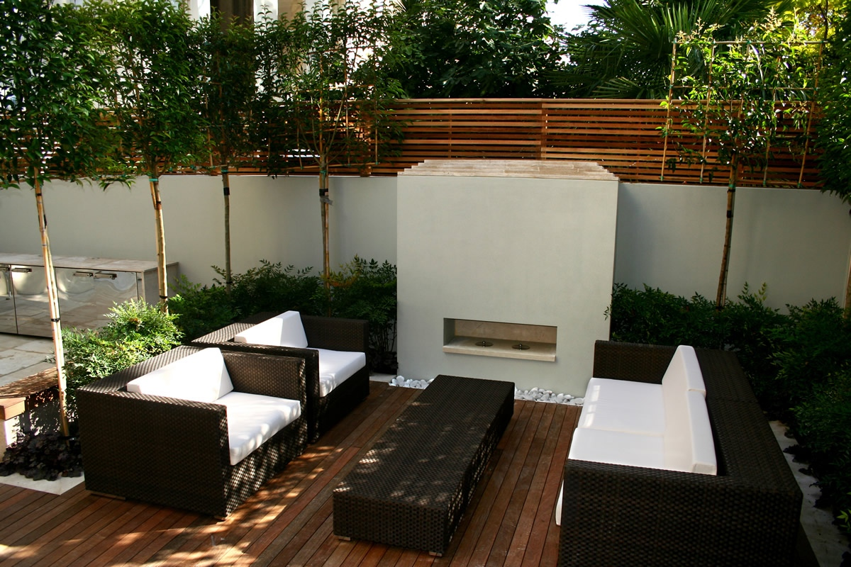 Contemporary outdoor space designed by kate gould of kate for Modern garden