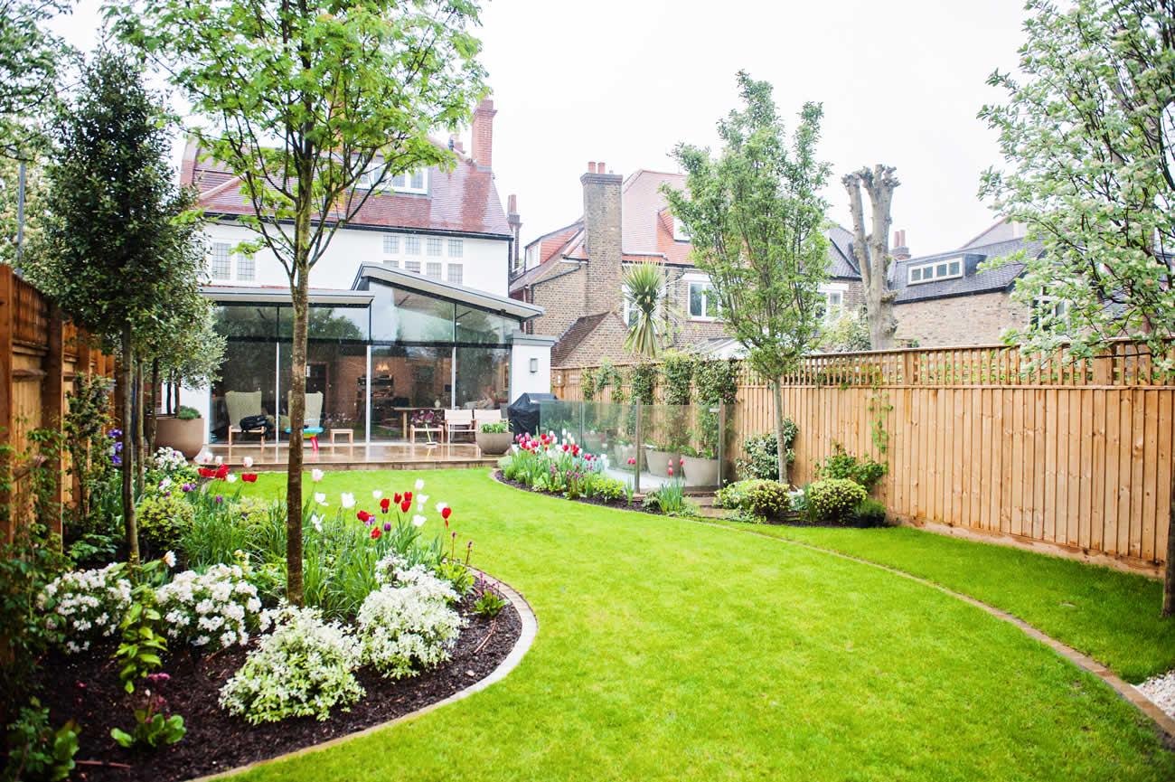 Wandsworth Urban Garden design with York Stone paving ...