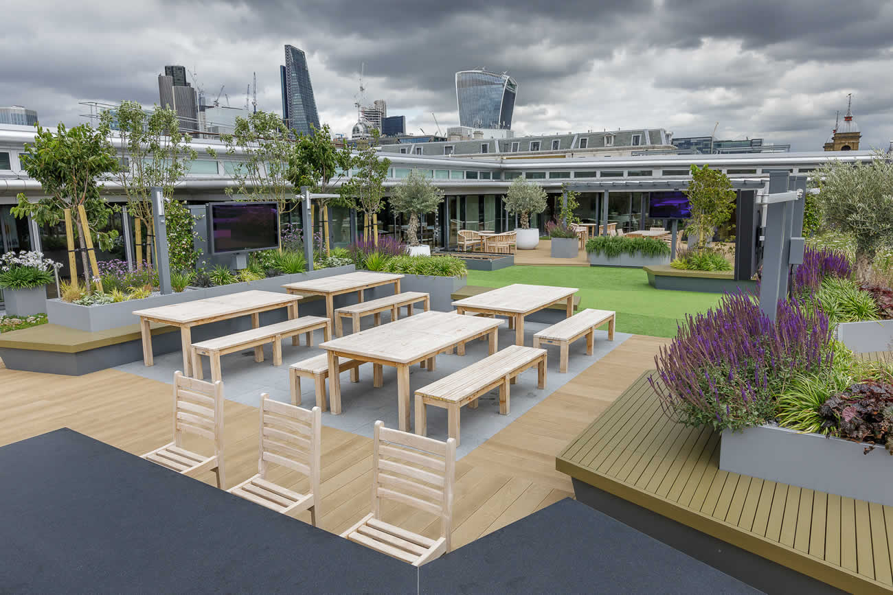 Large central london commercial roof terrace design for Terrace design