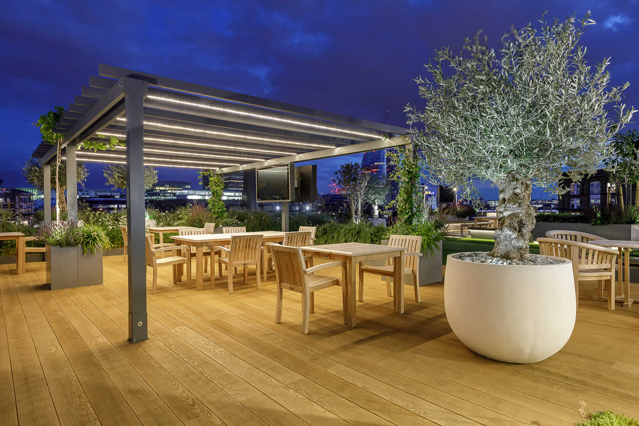 Large Central London Commercial Roof Terrace Design