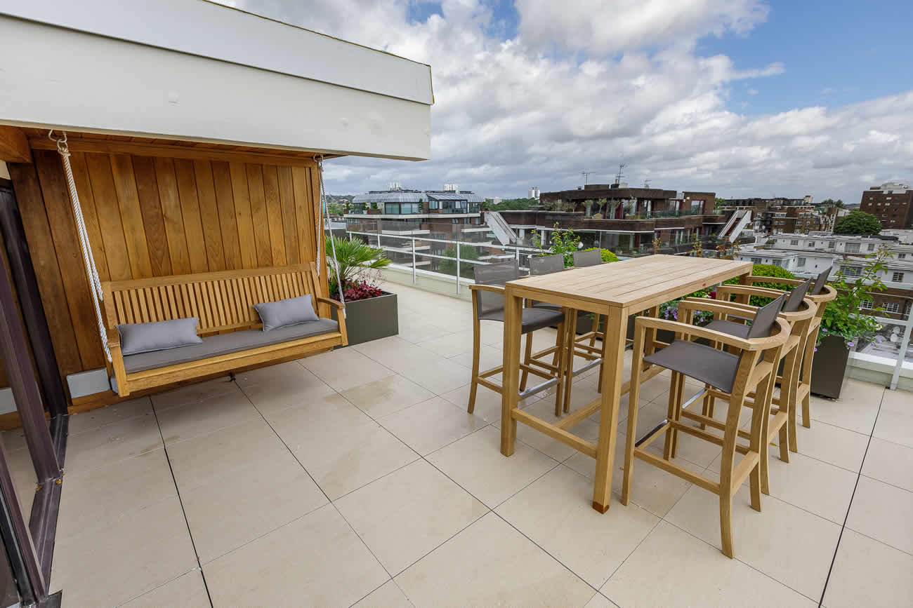 Roof Terrace For Penthouse At Imperial Court Regents Park