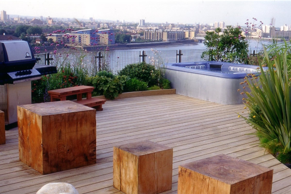 Penthouse Roof Garden In Canary Wharf Design By Andy Sturgeon Shown On BBC  Small Town Gardens