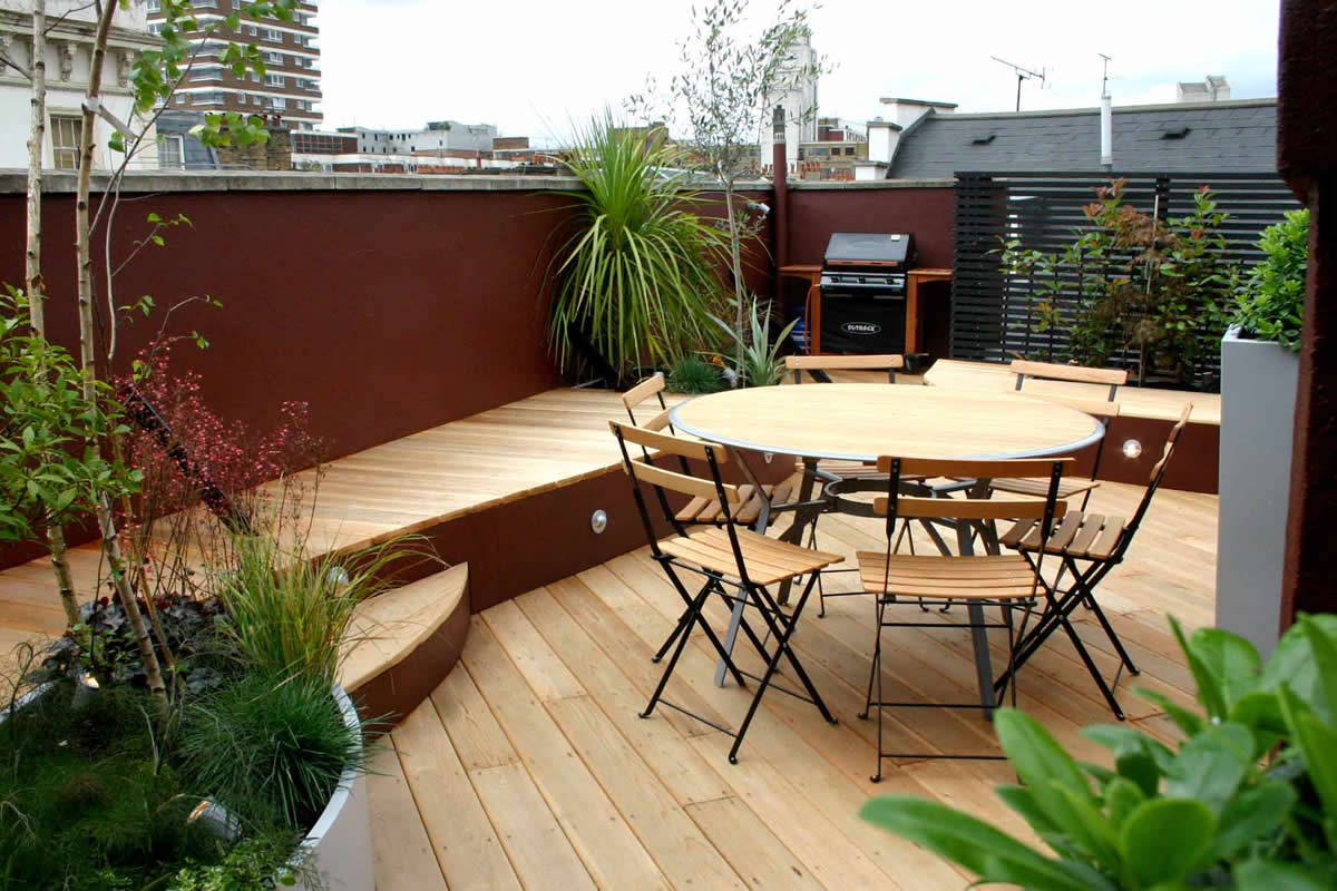 Stylish seating roof terrace in Pimlico Victoria SW1 Designs includes