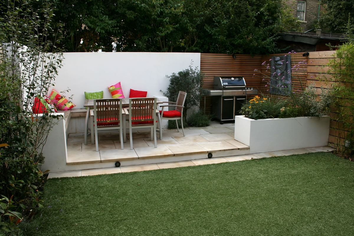 Outdoor garden entertainment relaxation zone desinged and for Small outdoor patio areas