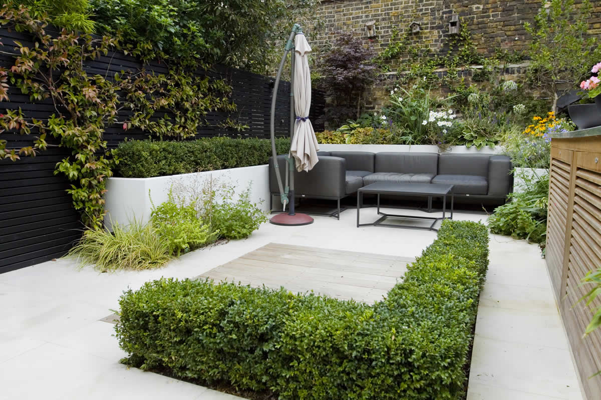 Outdoor room in sloane square chelsea with gloster for Jardines exteriores