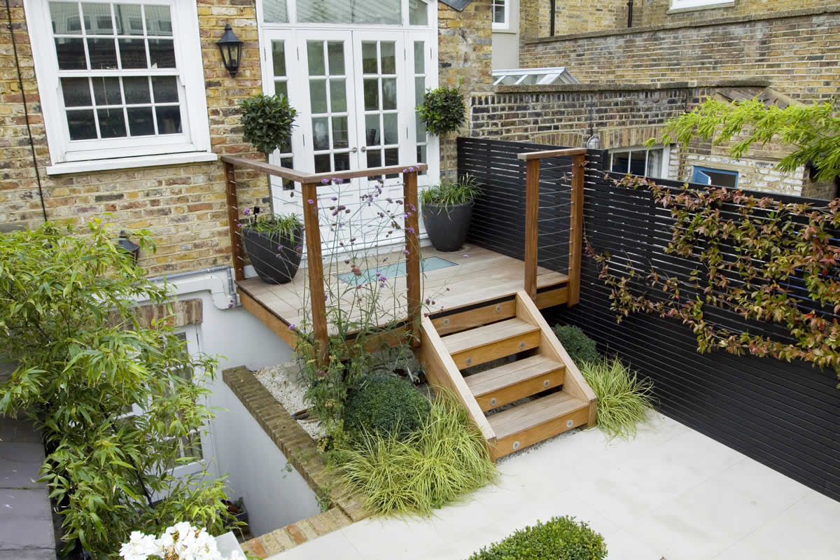 Outdoor Room In Sloane Square Chelsea With Gloster