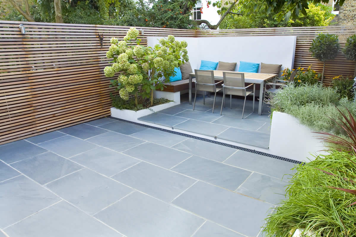 Contemporary small family garden designers in clapham sw4 for Mini garden landscape design
