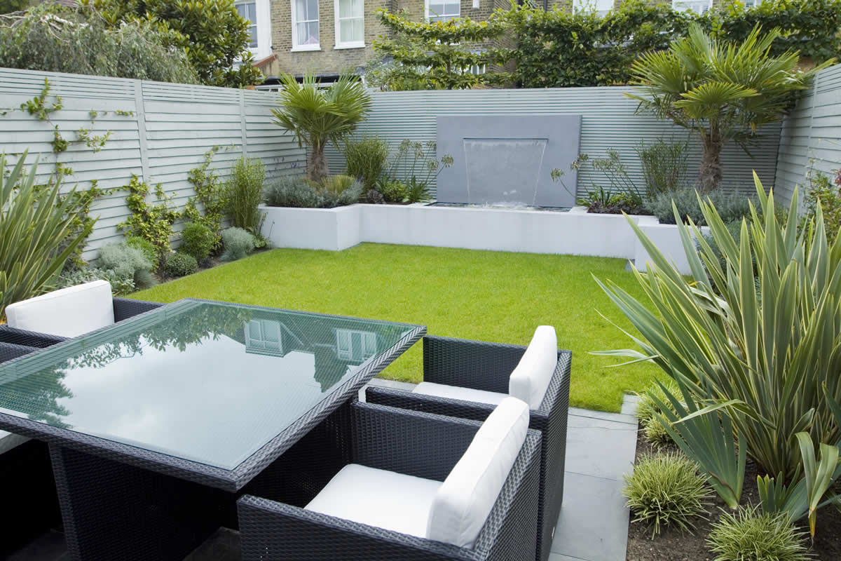 Garden designers Richmond Surrey small city family garden design