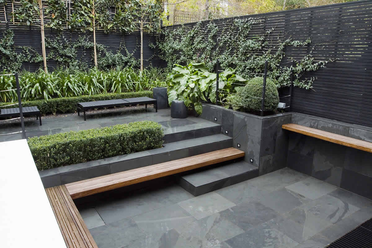 Small city garden design in kensington london designed by for Contemporary garden design ideas for small gardens