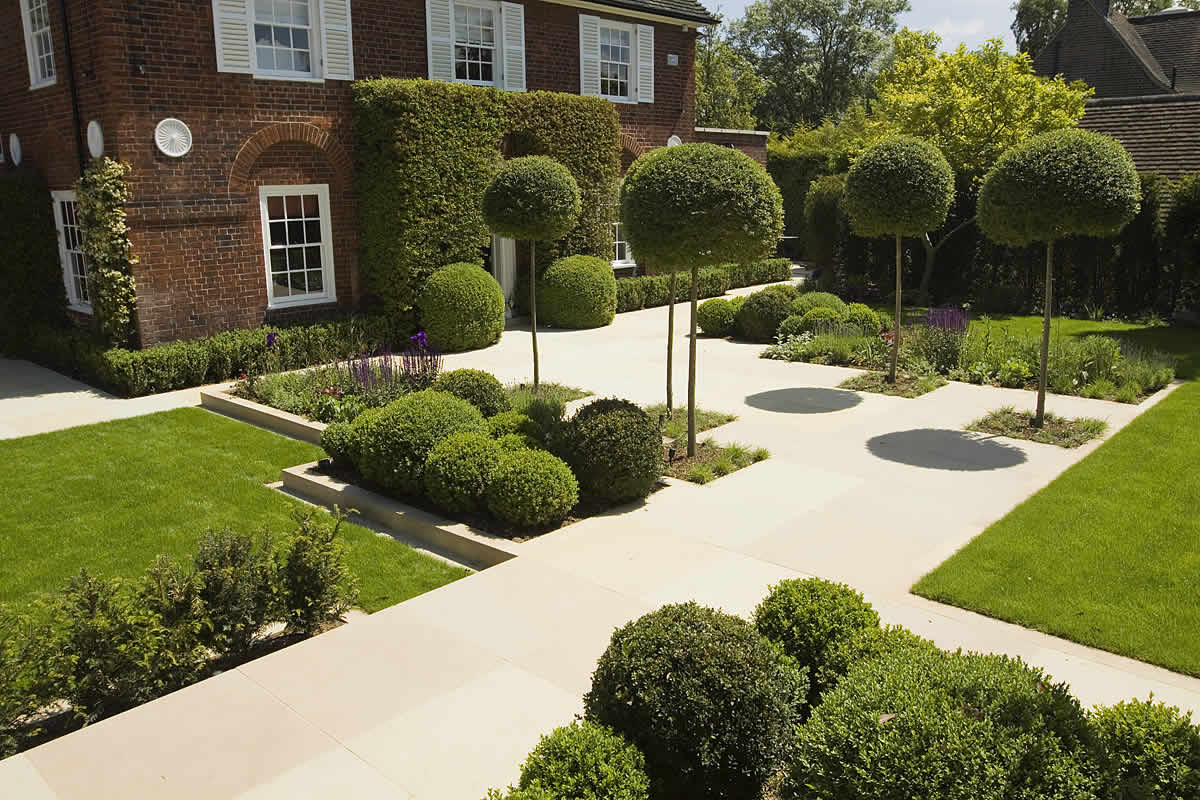 Stunning Suburban Garden constructed in Hampstead by Lynne ...