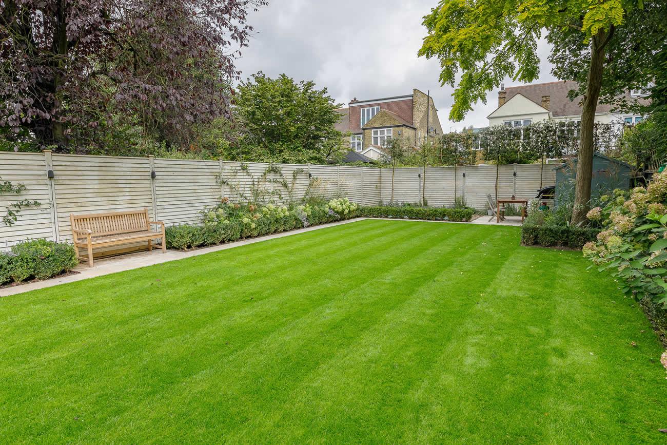 Family garden design in barnes west london for Family garden designs