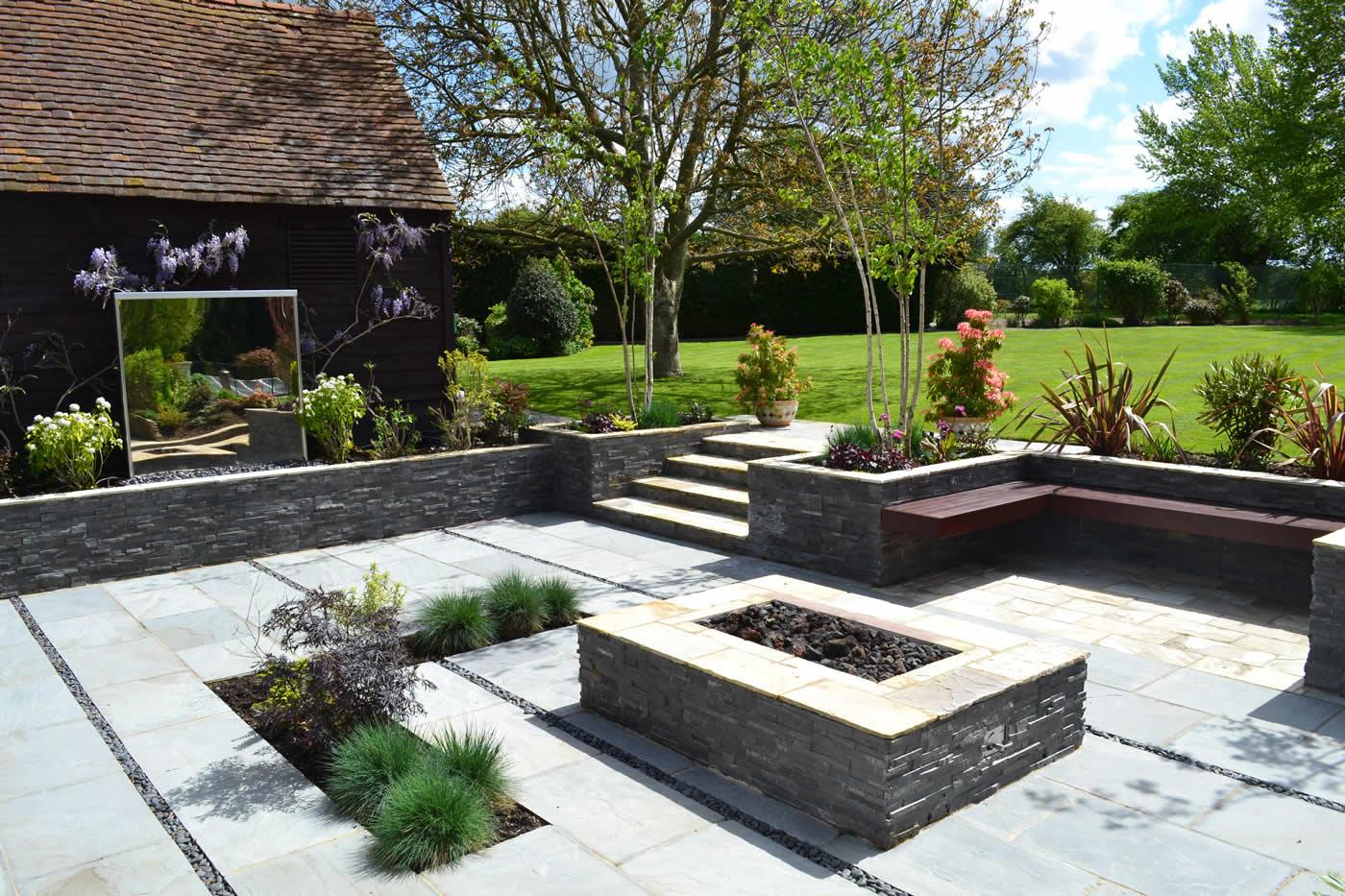 Contemporary Courtyard Garden Paving Riven Grey Sand Stone