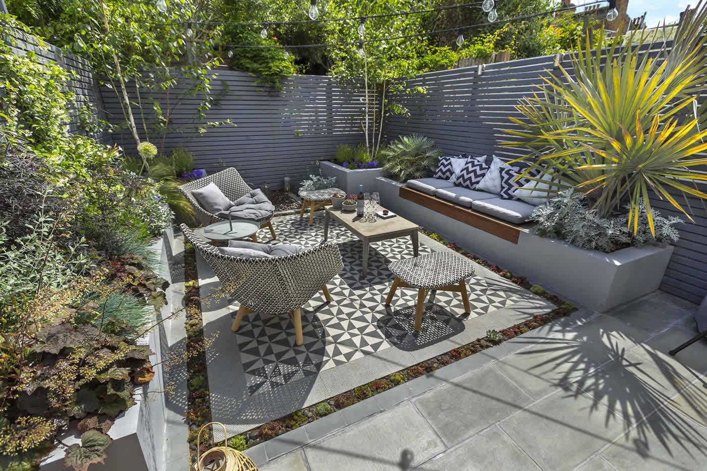 Private small garden design outdoor room ideas courtyard London
