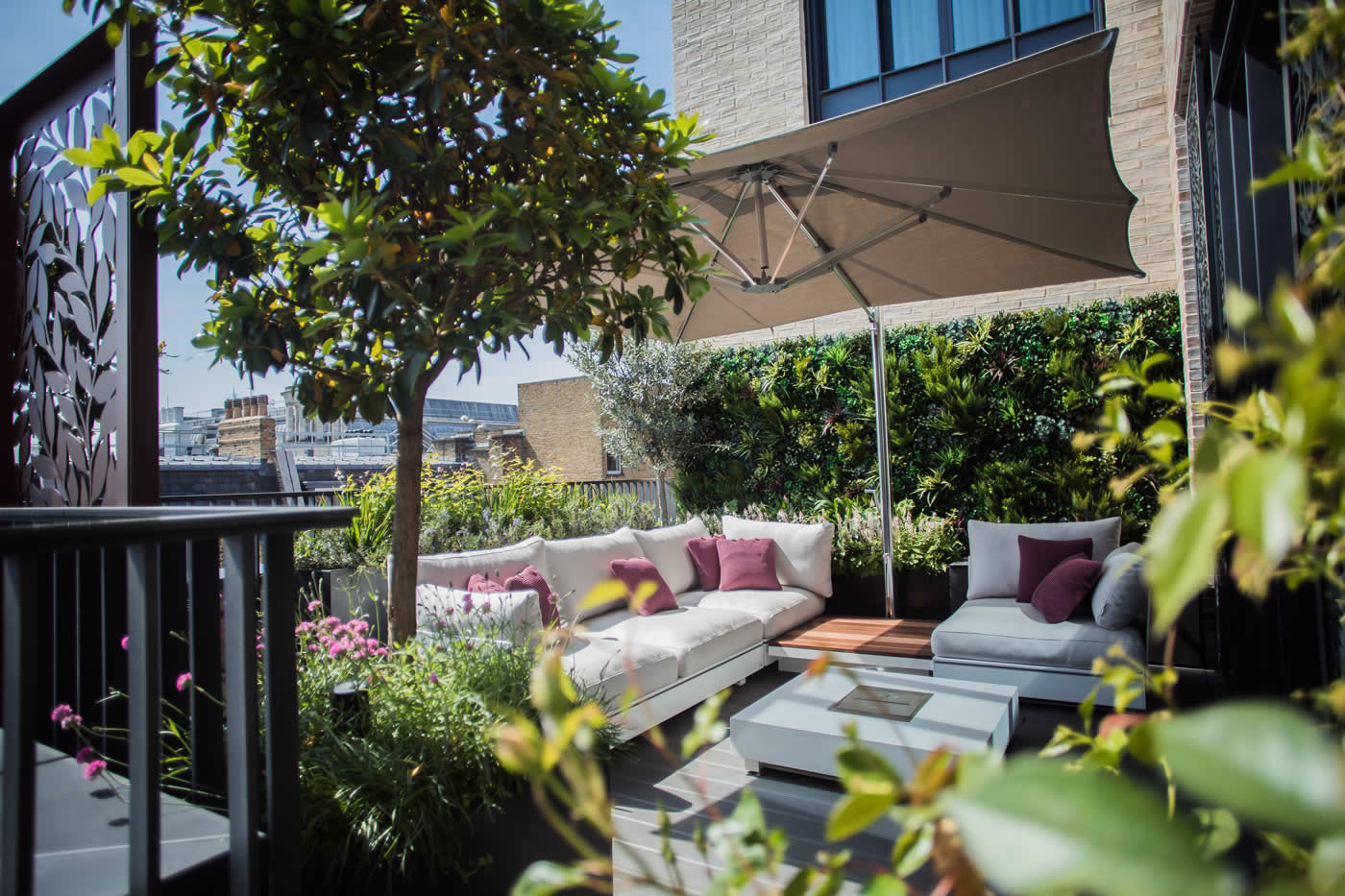 Luxurious roof terrace design London Covent Garden by ...