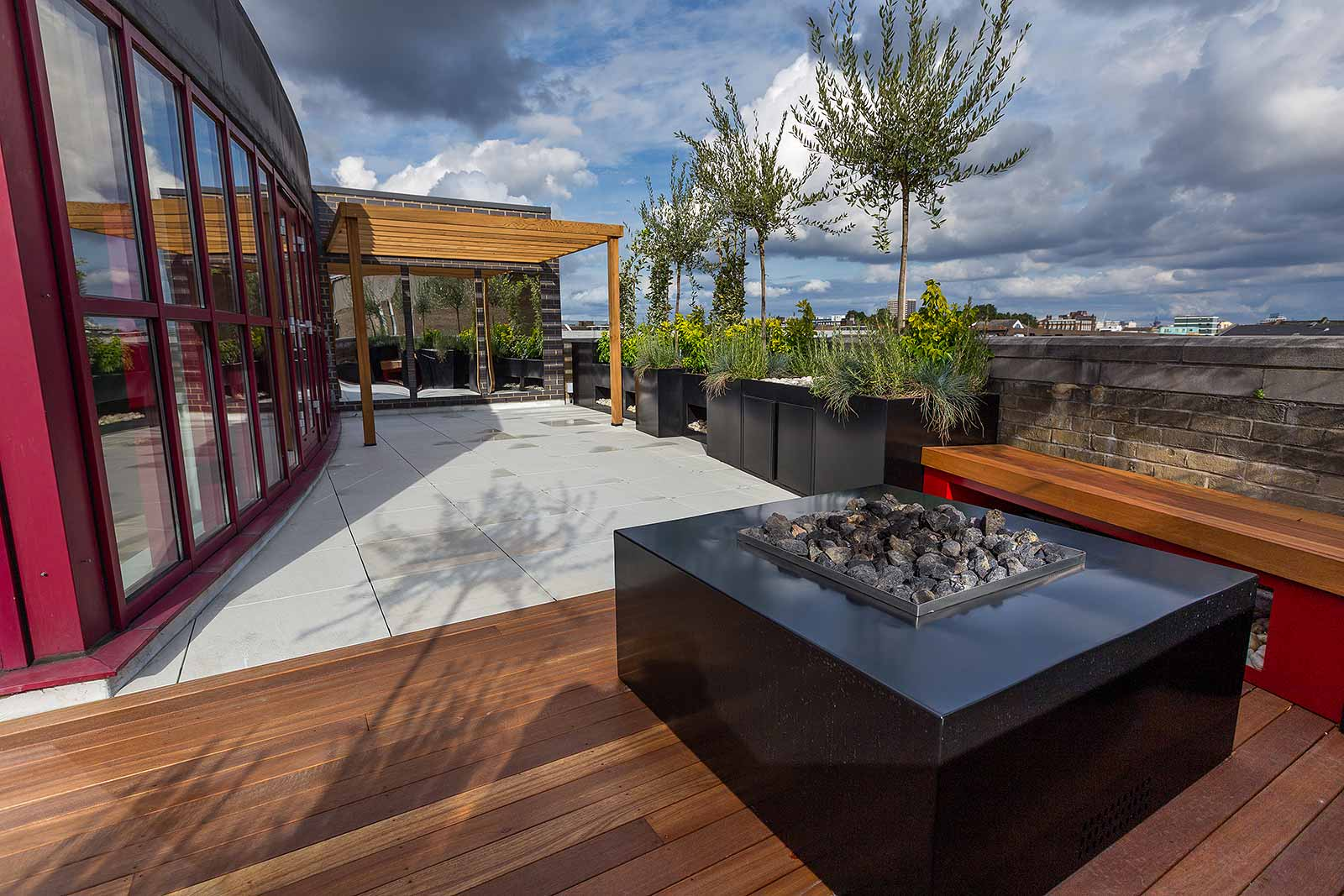 Shoreditch roof terrace design in london for Household design shoreditch